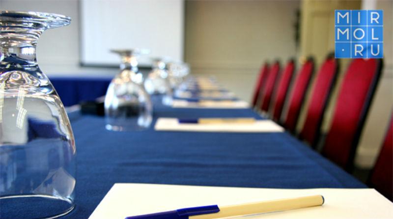 Межрегиональный информационный ресурс молодёжи. В Дербенте проходит международная конференция с участием ЮНЕСКО республиканских и московских экспертов