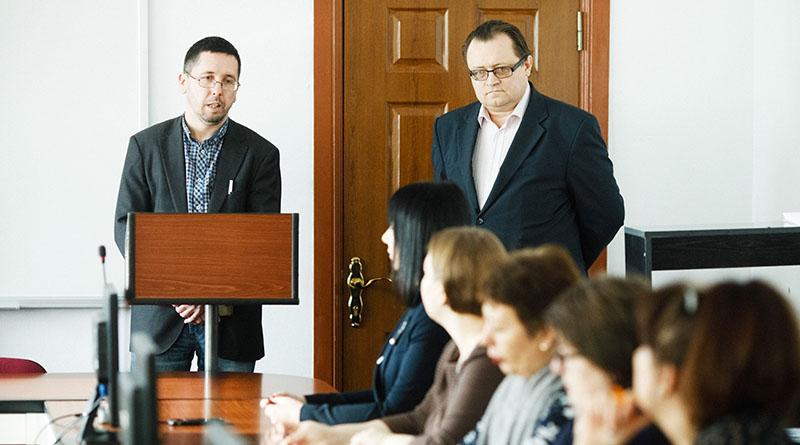 Михаил Чернов и Юрий Шевцов на лекции в Приамурском государственном университете имени Шолом-Алейхема